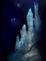 Geoquímica de los humeros blancos: El estudio de un nuevo tipo de fumarolas hidrotermales halladas en el fondo oceánico arroja luz sobre el origen de la vida.