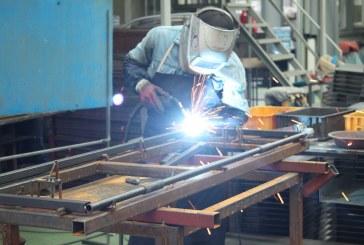 (La República) Industria manufacturera cayó 1,9% en el año pasado sin contar refinación de petróleo